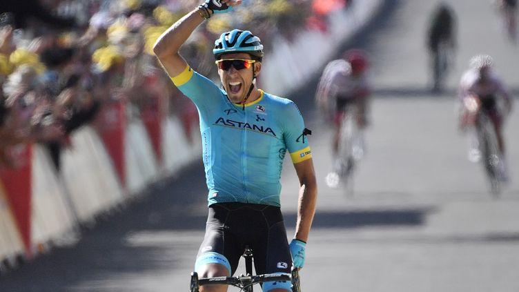 L'Espagnol Omar Fraile (Astana), vainqueur à Mende lors de la 14e étape, après une longue échappée en groupe mais finie en solitaire (JEFF PACHOUD / AFP)