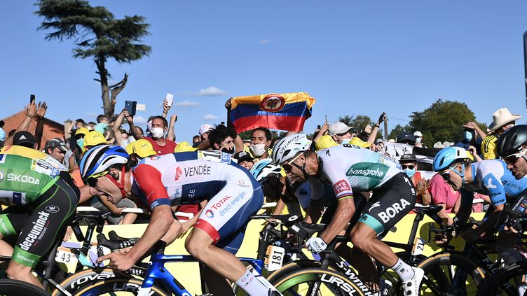 Peter Sagan n'a plus le droit à l'erreur pour espérer reconquérir son maillot vert. (MARCO BERTORELLO / AFP)