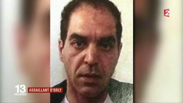 Attaque à Orly : le profil de l'assaillant se précise