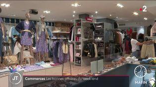 Les magasins de vêtements sont bien remplispour le déconfinement. (France 2)