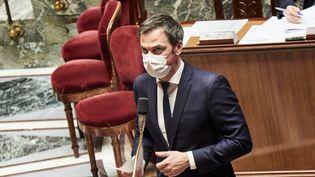 Le ministre de la Santé, Olivier Véran, à l'Assemblée nationale, le 13 avril 2021. (ANTONIN BURAT / HANS LUCAS / AFP)