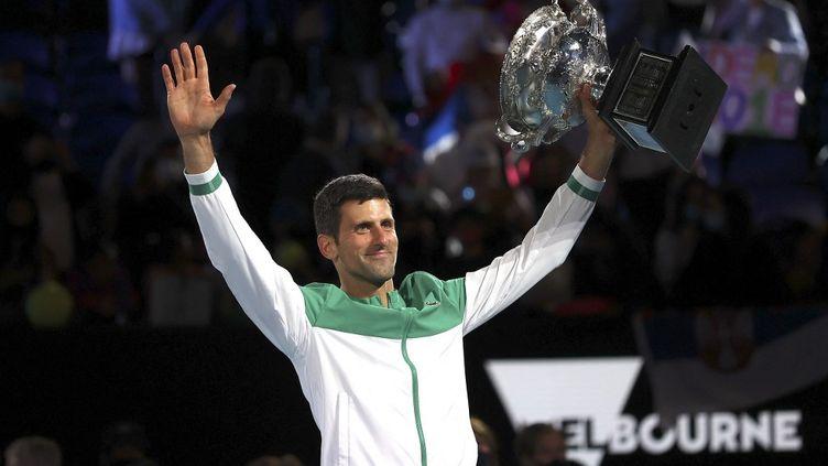 Novak Djokovicremporte son neuvième Open d'Australie, le 21 février 2021. (DAVID GRAY / AFP)