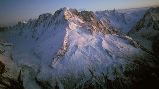 L'avalanche s'est produite à proximité du domaine skiable des Grands Montets, à Chamonix (Haute-Savoie), dimanche 3 janvier 2016. (MAXPPP)
