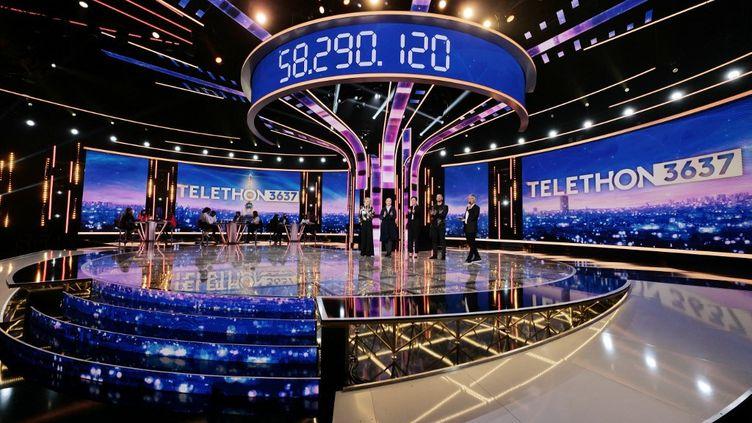 Une photo de l'édition 2020 du Téléthon, diffusée par France Télévisions, le 5 décembre 2020. (GILLES GUSTINE / FRANCE TELEVISIONS / AFP)