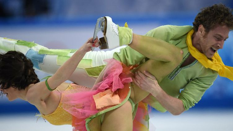 Nathalie Péchalat et Fabian Bourzat lors du programme libre de la danse sur glace des JO de Sotchi  (DAMIEN MEYER / AFP)