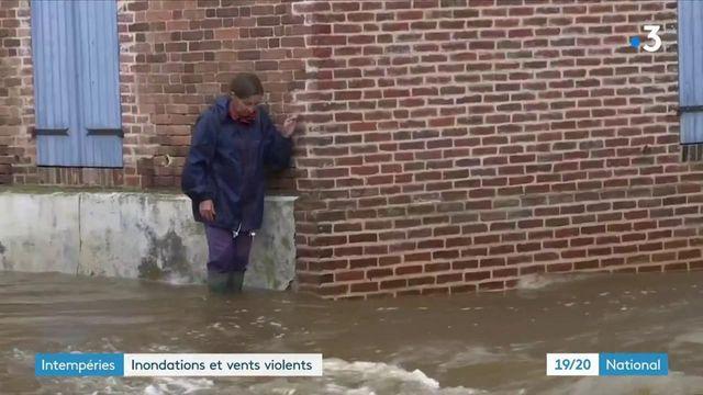 Intempéries : des rues sous les eaux en Normandie et dans l'Est