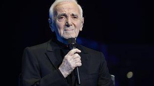 Charles Aznavour au Palais de Sports, à Paris, en décembre 2016. (FRANCOIS GUILLOT / AFP)