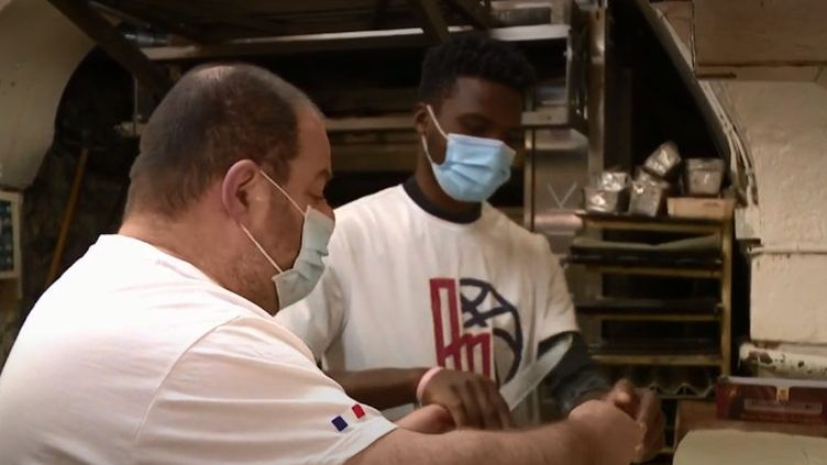 apprenti boulanger guinéen (FRANCEINFO)