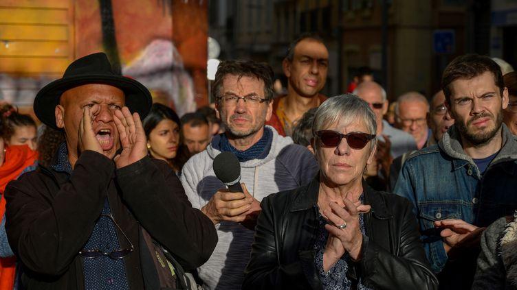 Certains habitants ont hué l'arrivée d'élus lors de la cérémonie d'hommage aux huit morts de la rue d'Aubagne, à Marseille, le 5 novembre 2019. (CHRISTOPHE SIMON / AFP)