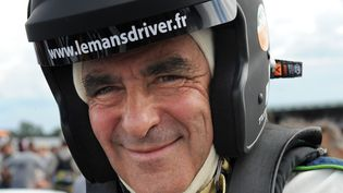 François Fillon avant une séance d'entraînement pour la course des 24 Heures du Mans, le 6 juillet 2012. (JEAN-FRANCOIS MONIER / AFP)