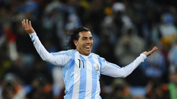 L'Argentin Carlos Tevez sous le maillot argentin (DANIEL GARCIA / AFP)