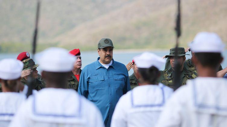 Le président du Venezuela Nicolas Maduro, lors d'un exercice militaire, le 3 février 2019, à Turiamo (Venezuela). (MIRAFLORES PALACE / HANDOUT / REUTERS)