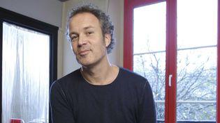 """Le dessinateur Zep publie un album pour les grands, """"Une histoire d'homme"""", dans une nouvelle maison d'édition, Rue de Sèvres (Ecole des Loisirs)  (J Graf / JDD / SIPA)"""