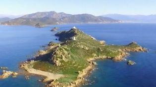 L'archipel corse des îles Sanguinaires est un site très prisé par les touristes. La circulation y est interdite. (France 2)