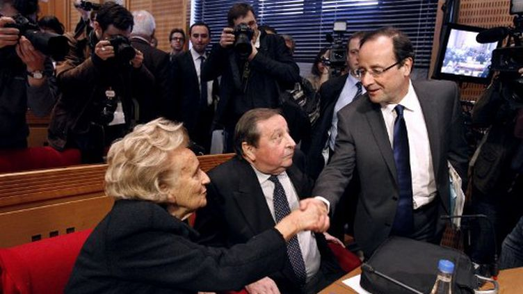 François Hollande et Bernadette Chirac au conseil général de Corrèze (PATRICK KOVARIK / AFP)