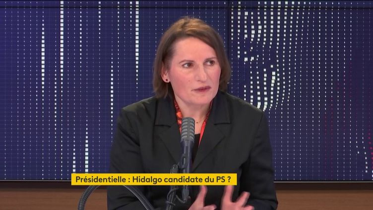 """Valérie Rabault, présidente du groupe socialistes et apparentés à l'Assemblée nationale, était l'invitée du """"8h30 franceinfo"""" le mercredi 23 décembre. (FRANCEINFO / RADIOFRANCE)"""
