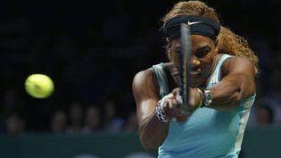 L'Américaine Serena Williams face à la Canadienne Eugenie Bouchard au Masters de Singapour, le 23 octobre 2014. (EDGAR SU / REUTERS)