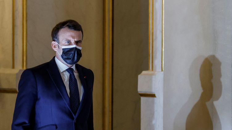 Emmanuel Macron au palais de l'Elysée, à Paris, le 25 février 2021. (THOMAS COEX / AFP)