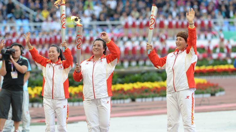 La Chinoise Wang Junxia (à gauche sur la photo) aurait avoué s'être dopée (LI GANG / XINHUA)
