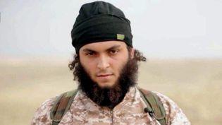 Photo issue de la vidéo de propagande du groupe Etat islamique, diffusée le 16 novembre 2014,sur laquelle figure un homme identifié par le parquet de Paris comme étant le Français Mickaël Dos Santos. (MAXPPP)