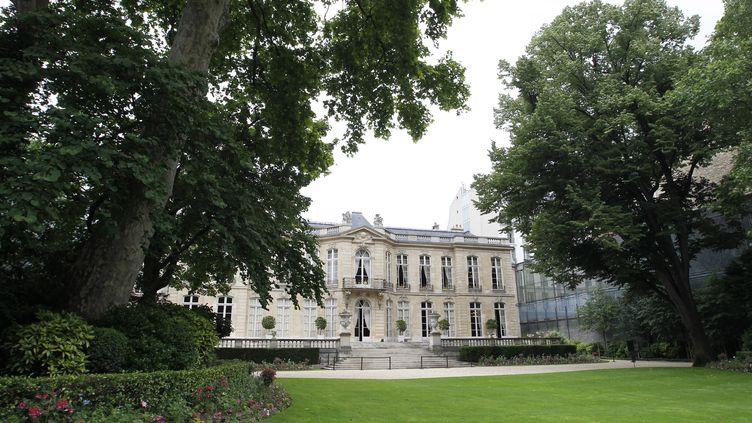Matignon est le ministère où les rémunérations sont les plus élevées. Elles sont de10 833 euros brut en moyenne dans le cabinet du Premier ministre. (THOMAS SAMSON / AFP)