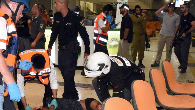 Habtom Zarhum, l'Erythréen pris par erreur pour l'auteur d'un attentat et tué par un garde de sécurité, le 18 octobre 2015 à Beersheba (Israël). (DUDU GRINSHPAN / AFP)