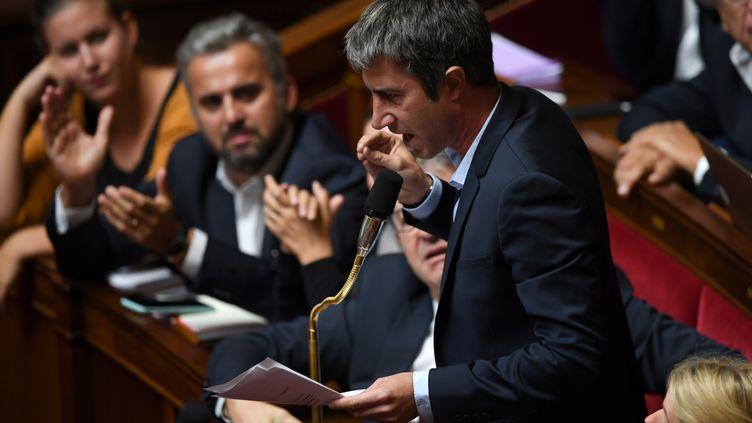 Le député de La France insoumise, François Ruffin, à l'Assemblée nationale à Paris, le 2 octobre 2018. (CHRISTOPHE ARCHAMBAULT / AFP)