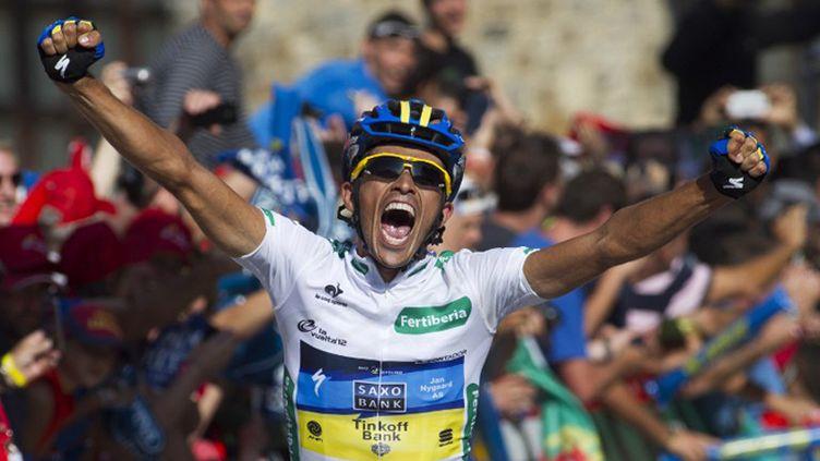 Alberto Contador et son équipe Saxo Bank au départ du Tour (JAIME REINA / AFP)