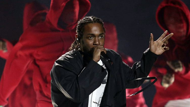Kendrick Lamar sur la scène des Grammy Awards, le 28 janvier 2018 à New York, au Madison Square Garden  (Matt Sayles / AP / Sipa)