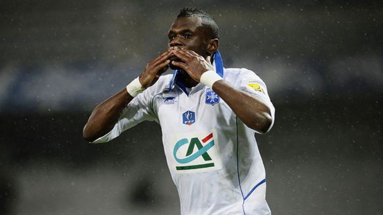 Le joueur d'Auxerre Lynel Darcy Kitambala