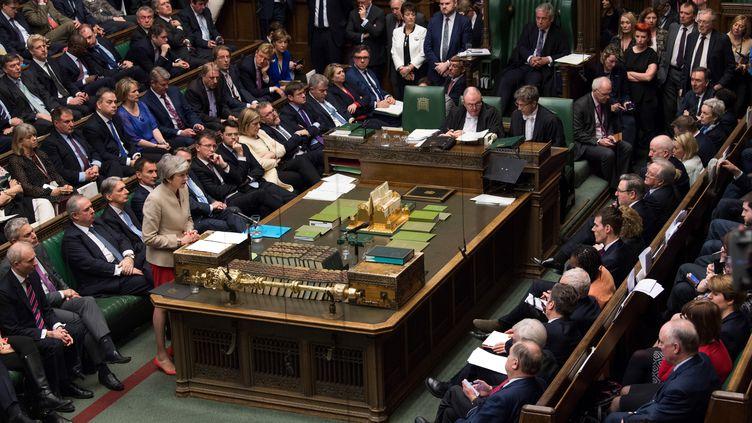 La Première ministre, Theresa May, lors du vote sur son accord de sortie avec l'UE au Parlement britannique, le 29 mars 2019. (MARK DUFFY / UK PARLIAMENT / AFP)