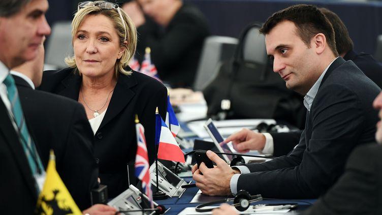 Marine Le Pen et Florian Philippot au Parlement européen, à Strasbourg, le 17 janvier 2016. (FREDERICK FLORIN / AFP)