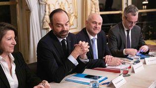 Entretiens à Matignon le 18 décembre 2019 entre plusieurs ministres du gouvernement et les partenaires sociaux. (CHRISTOPHE MORIN / MAXPPP)