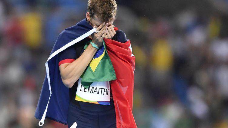 Christophe Lemaitre est allé chercher une incroyable médaille de bronze sur 200m (FABRICE COFFRINI / AFP)