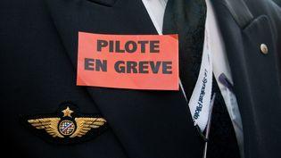 Un pilote d'Air France, à Paris, le 23 septembre 2014. (CITIZENSIDE / YANN KORBI)