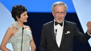 Audrey Tautou et Steven Spielberg lors de la cérémonie d'ouverture  (ALBERTO PIZZOLI / AFP)