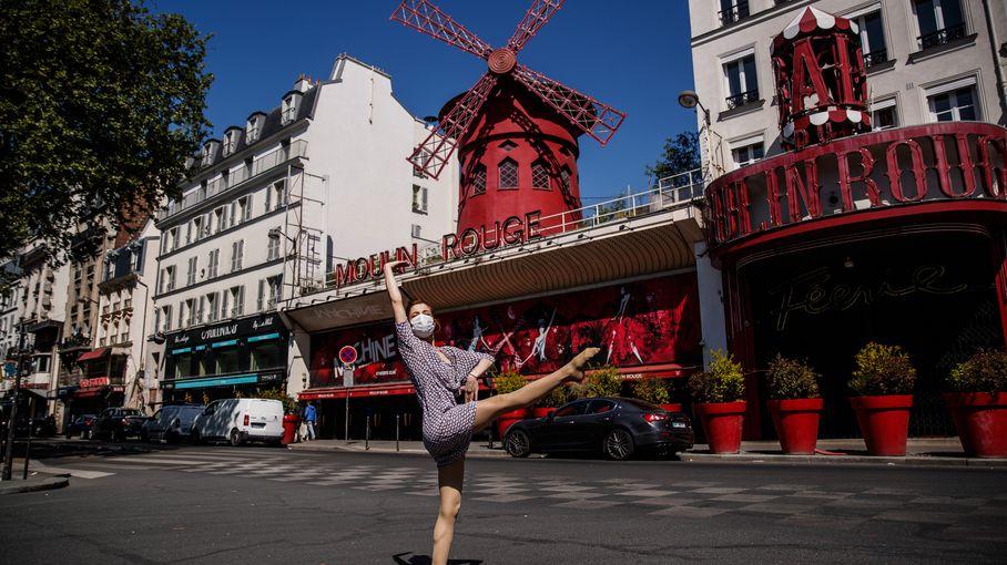 Moulin Rouge :le célèbre cabaret parisien rouvre ses portes après 18 mois defermeture