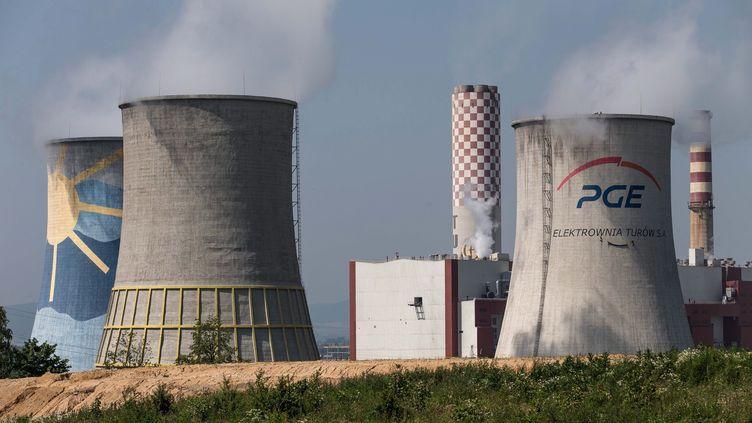 La COP24 aura lieu cette année à Katowice, en Pologne (ici, une centrale à charbon à Bogatynia, en Pologne). (MACIEJ KULCZYNSKI / PAP)
