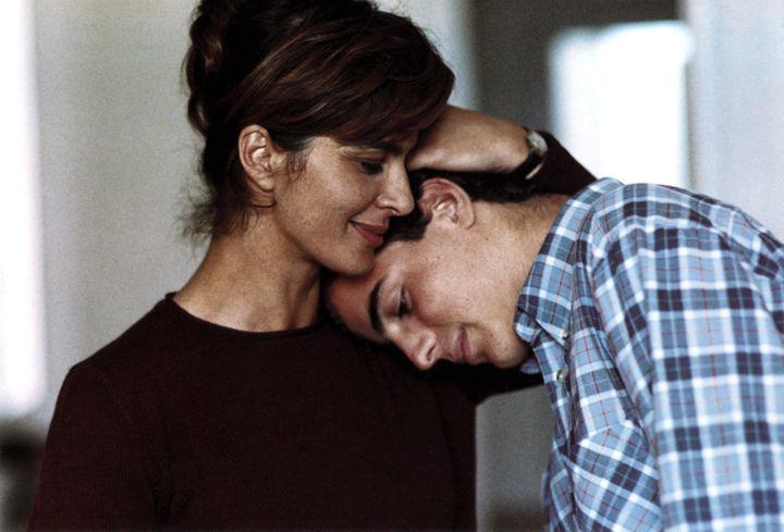 "Laura Morante, la mère Paola et Giuseppe Sanfelice, le fils Andrea dans ""La chambre du fils"" de Nanni Moretti, sorti en 2001 (PHOTO12.COM - COLLECTION CINEMA)"