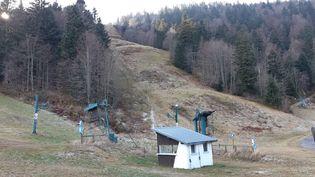 La petite station de Ventron, dans les Vosges, en novembre 2020. (ÉTIENNE MONIN / RADIO FRANCE)