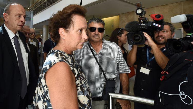 Sylvia Ratowski, la fille d'Hélène Pastor, arrive à la cour d'assises des Bouches-du-Rhône, à Aix-en-Provence, le 17 septembre 2018. (BORIS HORVAT / AFP)