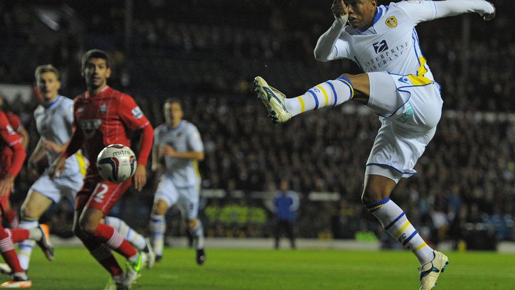 El-Hadji Diouf sous le maillot de Leeds.  (ANDREW YATES / AFP)