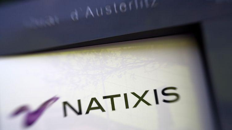 Le logo de la banque Natixis, ici photographié à Paris en avril 2012 (LOIC VENANCE / AFP)