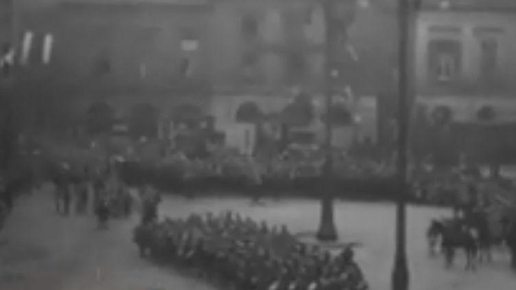 Emmanuel Macron se trouve en Lorraine, lundi 5 novembre. Une région qui, outre la fin de la guerre, célèbre aussi son retour dans le giron français. Un retour après48 années d'annexion allemande. (FRANCE 3)