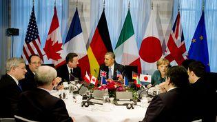 Les dirigeants du G7 réunis à la Haye (Pays-Bas), lundi 24 mars 2014. (JERRY LAMPEN / AFP)