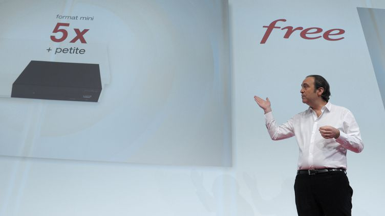 Xavier Niel, le fondateur de Free, lors de la conférence de presse de présentation de la Freebox mini 4K, le 10 mars 2015 à Paris. (ERIC PIERMONT / AFP)