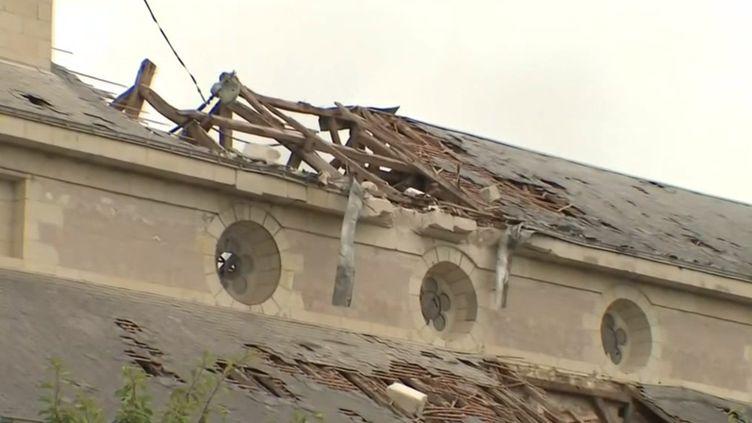 Intempéries : une tornade et des orages font de gros dégâts sur une partie de la France. (FRANCEINFO)