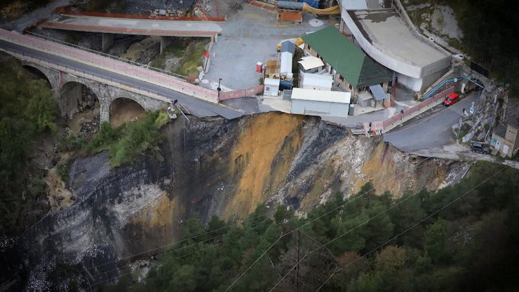 La ville de Tende complètement coupée du monde lors de l'inondation (France 3)