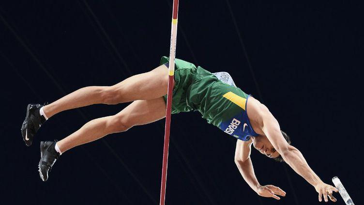 Le perchiste brésilien Augusto de Oliveira, 9e de la finale à Pékin (FRANCK FIFE / AFP)