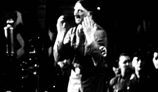 L'une des attitudes habiutuelles de Hitler  (France 2 )